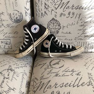 Converse All Star Chuck Taylor black hightop shoes
